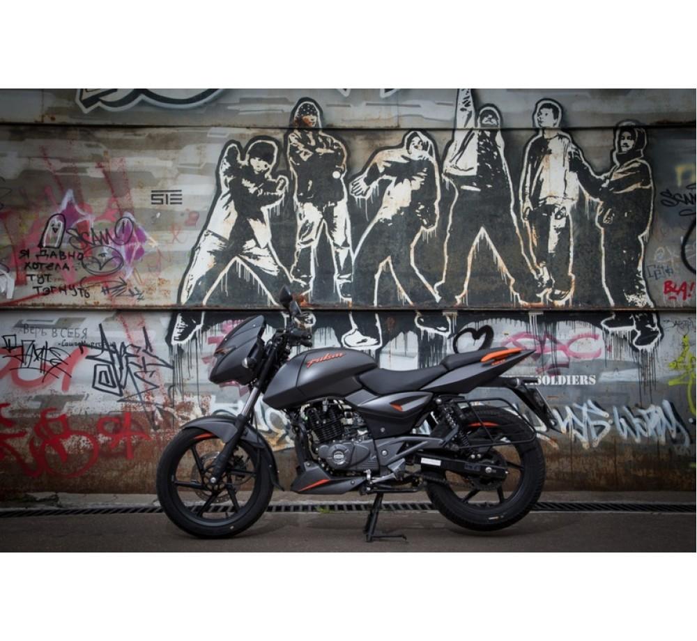 Мотоцикл Bajaj Pulsar NS 180